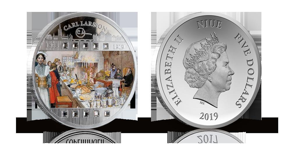 """silvermynt med motiv av Carl Larssons """"Julaftonen"""" i 99,9 % silver.Målningen visar hur familjen och gårdsfolket firade julafton.En varm, familjär julstämning – det är det som lyser ur Carl Larssons bilder från hemmet i Sundborn från början av sekelskiftet."""