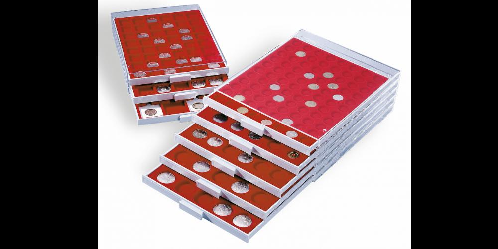 Rökfärgad myntlåda med plats för 20 mynthållare / rött inlägg